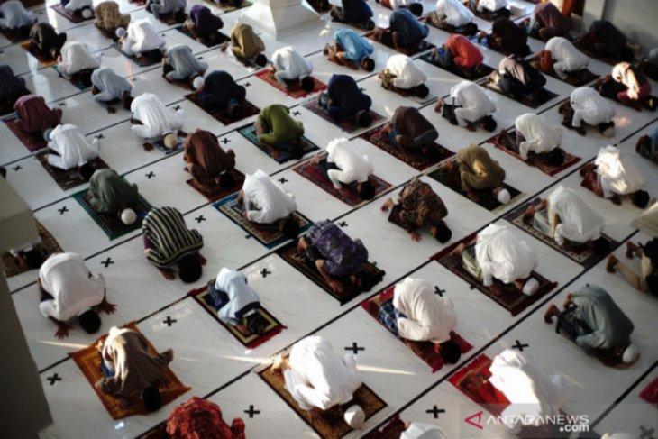 Masuk zona oranye,  empat kelurahan di Surabaya diimbau tak gelar Shalat Id di masjid
