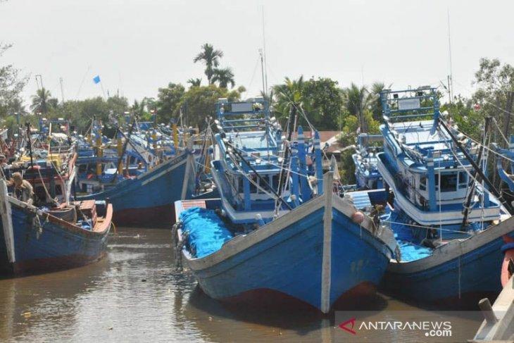 Ribuan nelayan Aceh Timur tidak melaut