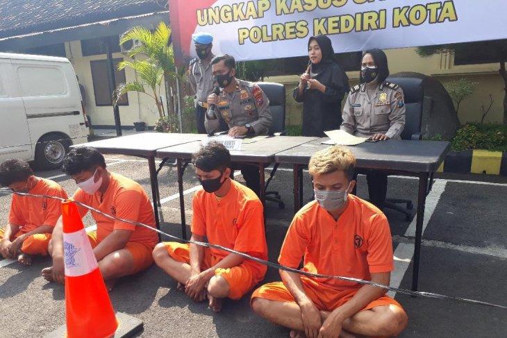 Polisi Kediri tahan kelompok