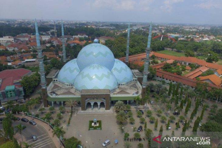 Masjid Al Azhom Kota Tangerang tidak selenggarakan Shalat Id