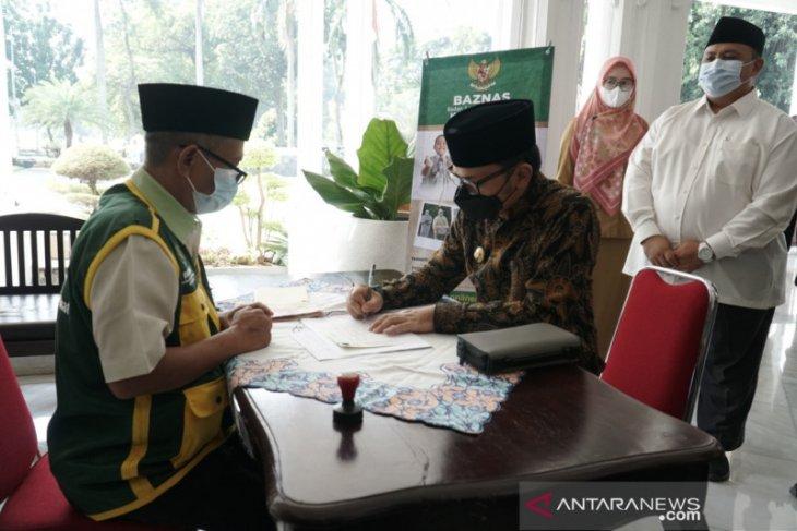 Wali Kota Bogor ajak Forkopimda tunaikan zakat mal di Baznas