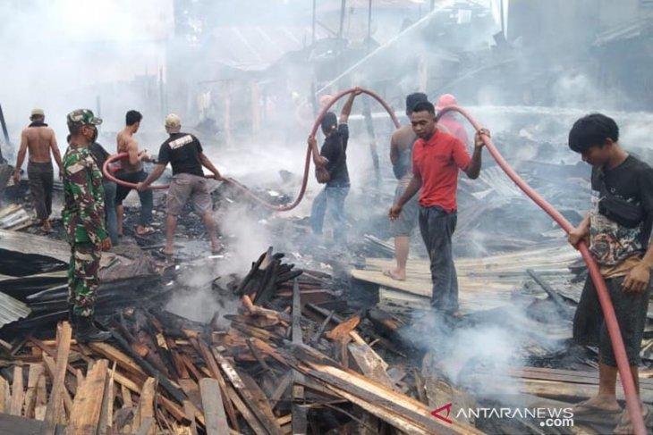 Tujuh rumah hangus terbakar di Kuala Simpang