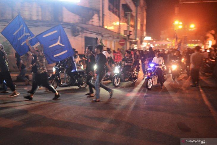 Sebagian umat Muslim di Kota Ambon tetap gelar takbir keliling dan konvoi