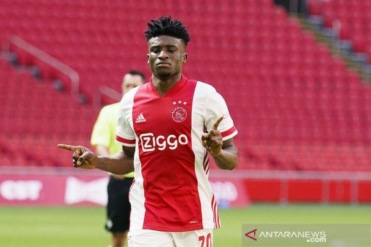 Ajax lempar VVV Venlo terdegradasi bersama ADO Den Haag