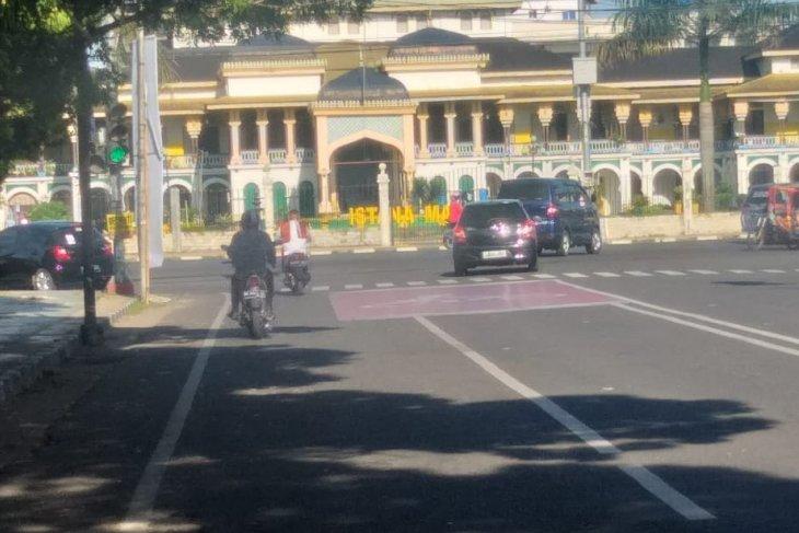 Hari Raya pertama Idul Fitri 1442 H Kota  Medan terlihat sepi