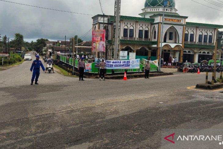 Polres Bangka Barat kawal penerapan prokes shalat Idul Fitri