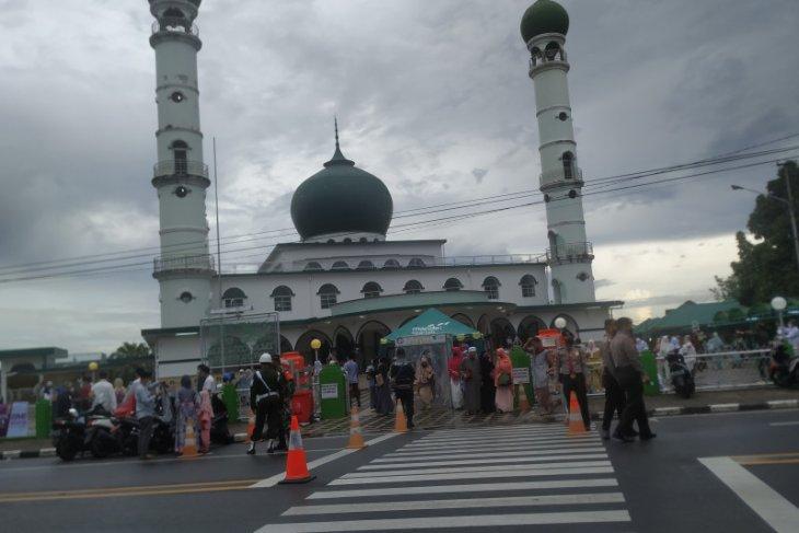 Pengurus masjid di Pangkalpinang tiadakan tradisi