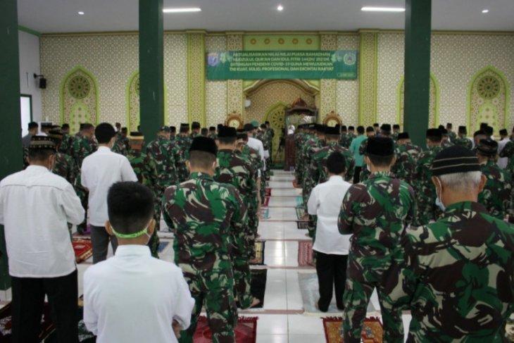 Kodam XII/Tpr laksanakan Shalat Idul Fitri dengan prokes ketat