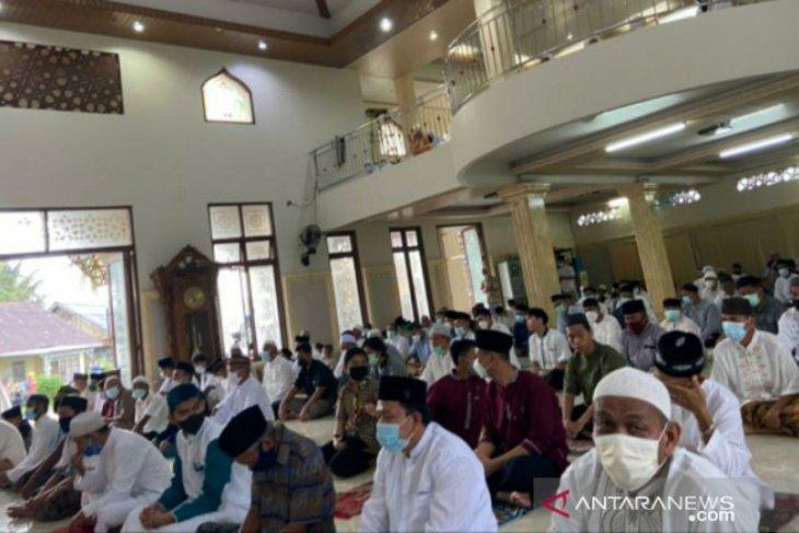 Umat muslim di Belitung shalat Idul Fitri dengan protokol kesehatan