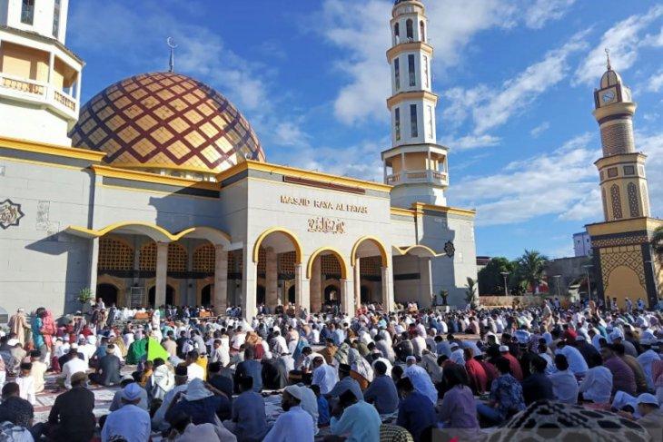 Ribuan umat Islam di Kota Ambon hadiri Shalat Id di masjid Raya Alfatah