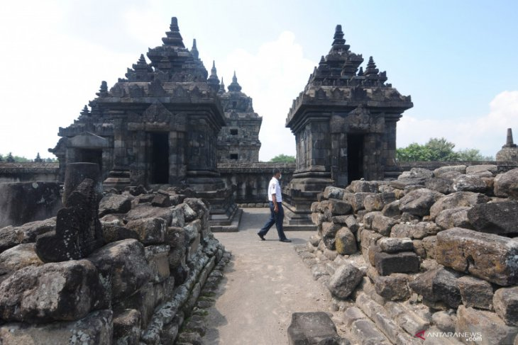 Prambanan Temple placed in yellow zone reopens to public