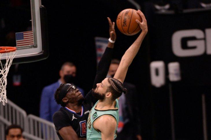 Clippers kalahkan  Hornets dengan penampilan luar biasa pada paruh kedua