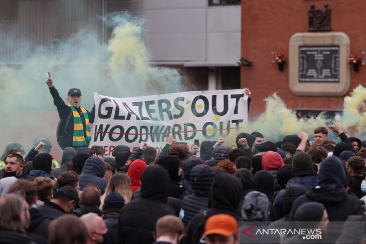 Bus Liverpool sempat dicegat ke Old Trafford, suporter MU protes lagi