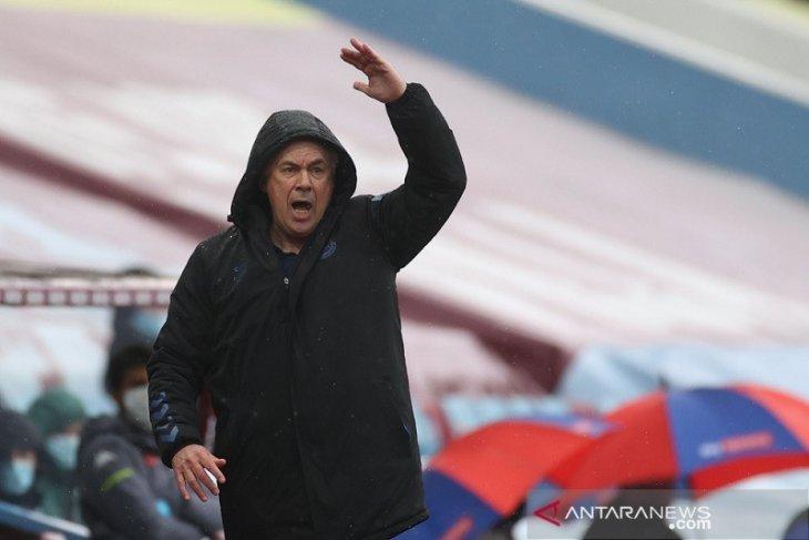 Ancelotti target Everton sapu bersih tiga laga sisa