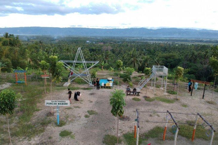 Warga manfaatkan libur Lebaran di wisata Puncak Mahoni Gorontalo