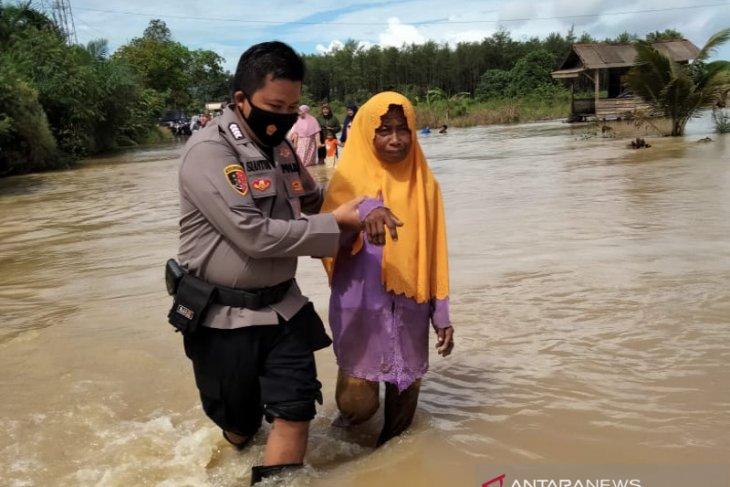 Belasan ribu jiwa di lima desa terdampak banjir Kalsel