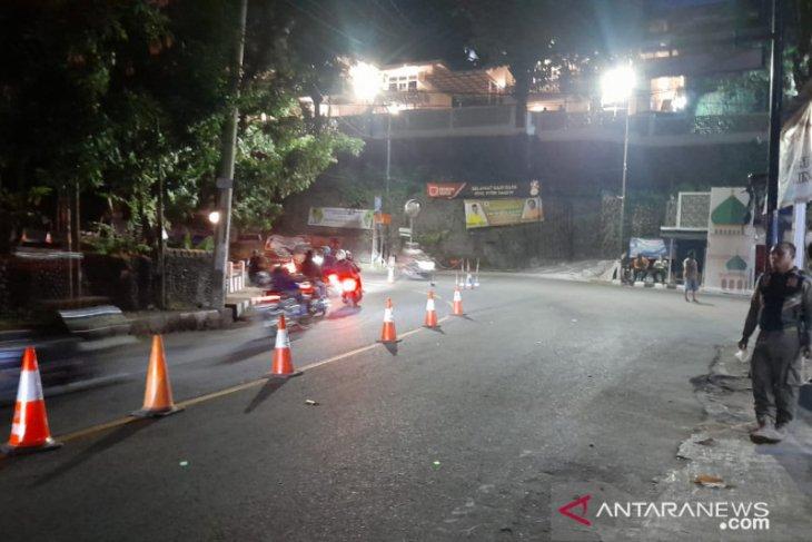 Langgar prokes, ratusan kendaraan wisatawan di Sukabumi diputar balik