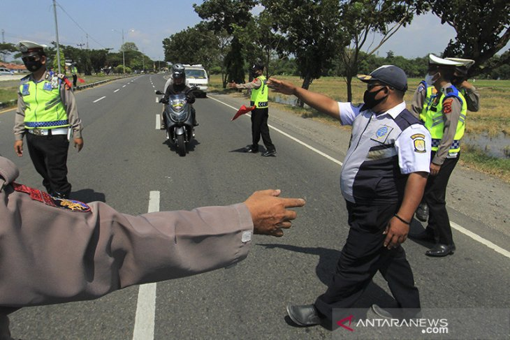 Pemeriksaan kendaraan arus balik Pantura