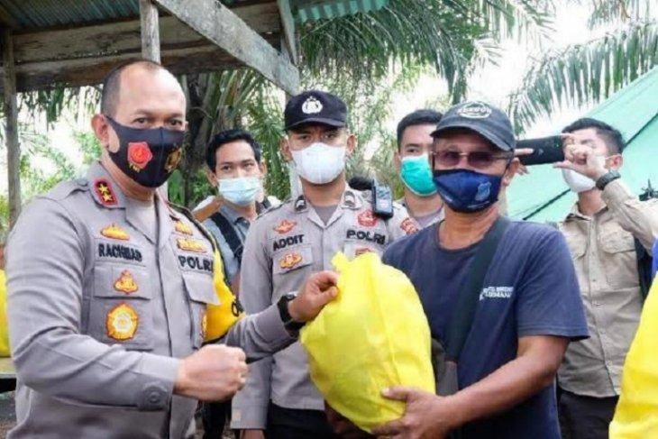 Polda Jambi membagikan 250 ribu masker antisipasi lonjakan COVID-19