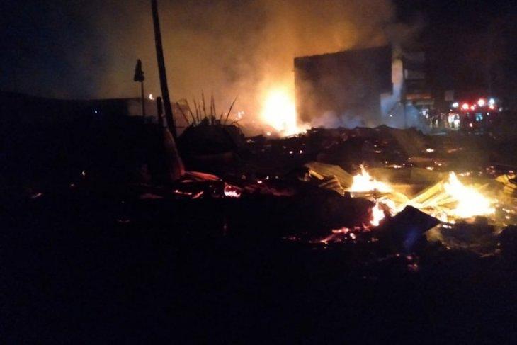 21 ruko hangus terbakar dan 20 rumah rusak di Aceh Tamiang