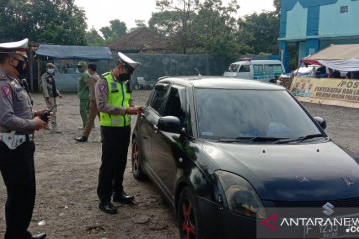 1.076 kendaraan dari luar daerah ke Sukabumi diputar balik