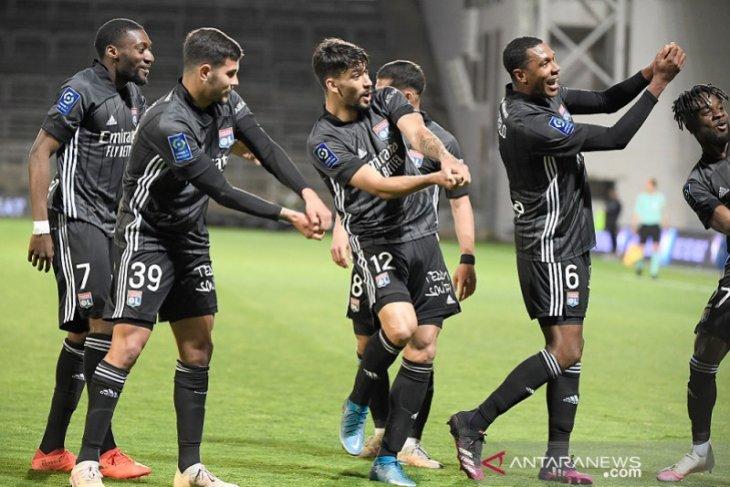 Lyon terus jaga asa Liga  Champions sambil pastikan Nimes terdegradasi
