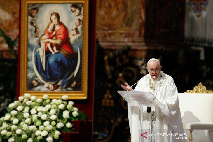 Paus sedih atas penemuan sisa jasad 215 anak-anak di sekolah Katolik Kanada