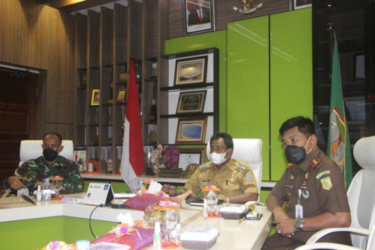 Wali Kota Binjai dengarkan pengarahan Presiden Joko Widodo