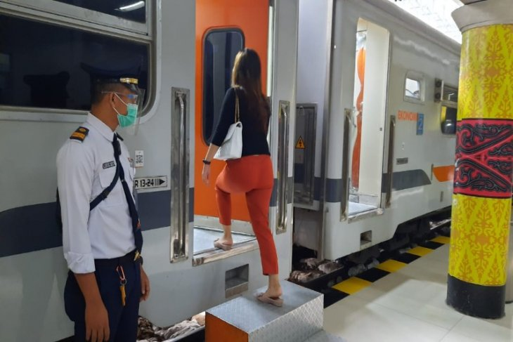 KAI Sumut: 1.549 calon  penumpang kereta api batalkan keberangkatan
