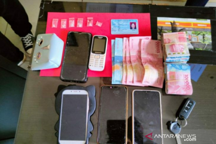 Polres Bangka Selatan tangkap dua IRT pengedar narkoba