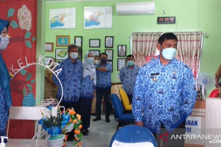 Bupati Belitung sidak kehadiran ASN hari pertama masuk kerja