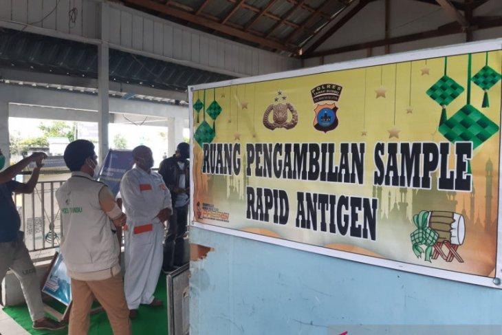 Batulicin ferry port provides free antigen rapid test