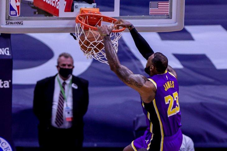 Forward LA Lakers LeBron James tidak akan ditindak meski langgar protokol COVID-19