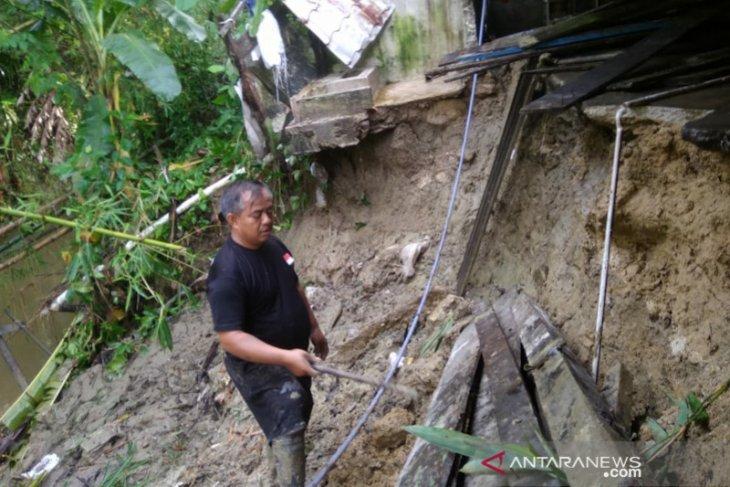 Banjir dan tanah longsor landa Simeulue