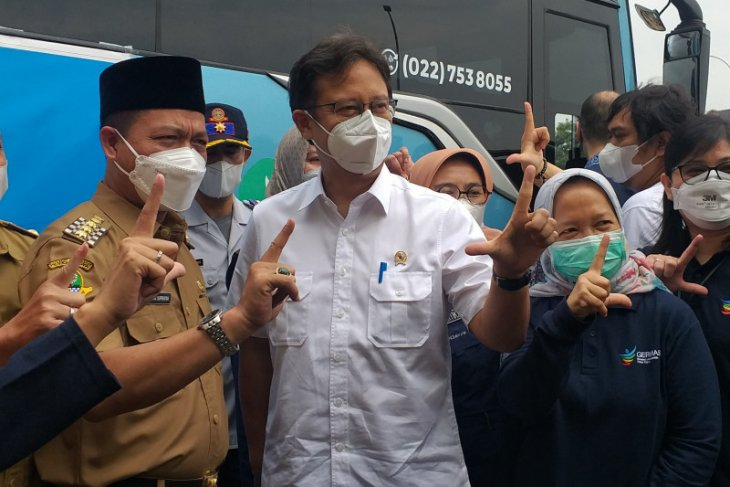 COVID-19 vaccination still low among West Java's elderly populace