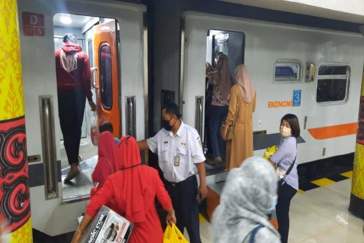 Pascapenyekatan arus mudik, KAI Sumut tambah 12 perjalanan kereta api