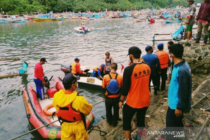 Wisatawan asal Bandung ditemukan meninggal terapung di laut