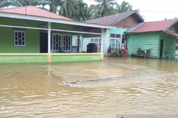 Dinas Sosial Mukomuko kirim tambahan bantuan untuk korban banjir
