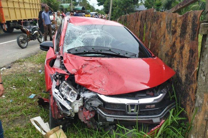 Suami istri beserta anak tewas ditabrak dua mobil di Aceh Timur