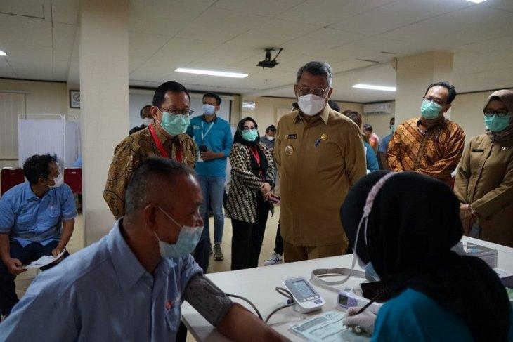Awali vaksinasi Gotong Royong, Sinar Mas vaksinasi ribuan karyawan