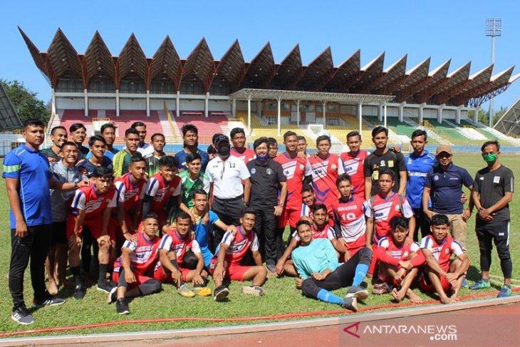 Uji coba tim sepak bola PON Aceh terkendala pandemi COVID-19