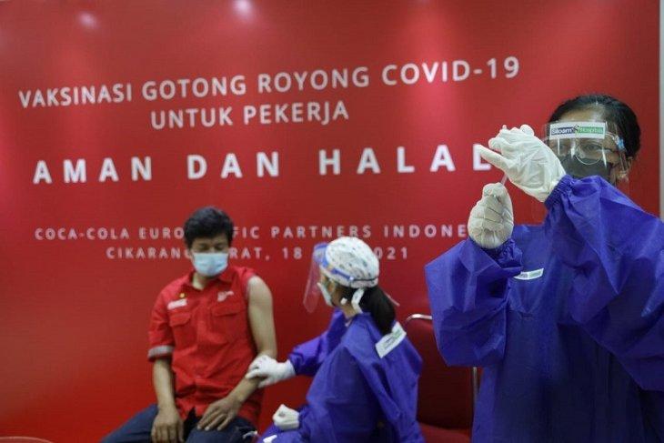 Coca-Cola Europacific Partners Indonesia berpartisipasi dalam program Vaksinasi Gotong Royong