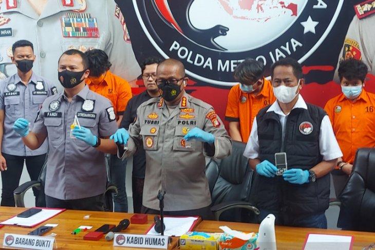 Polda Metro Jaya tangkap pemasok sabu ke anak Rita Sugiarto