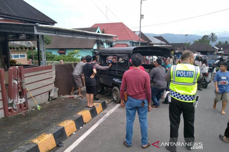 Sopir angdes penabrak dua pejalan kaki di Rejang Lebong belum ditahan