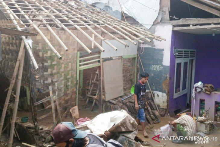 473 keluarga di tiga desa terdampak banjir bandang di Cigudeg (video)