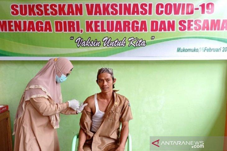 Vaksinasi nakes di Mukomuko capai 1.195 orang