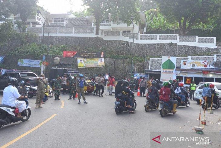 10.000 lebih kendaraan akan masuk kawasan wisata Palabuhanratu Sukabumi diputar balik
