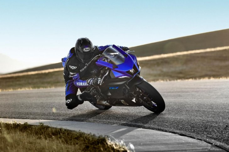 Yamaha R7 dikirim mulai  Oktober 2021