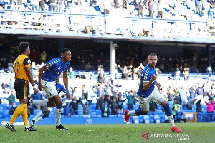 Everton raih tiket Eropa