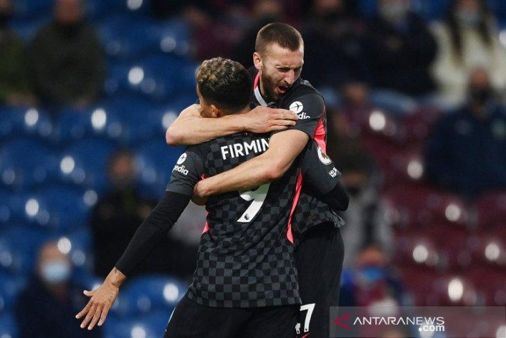Liverpool menerobos empat besar seusai memukul Burnley  3-0